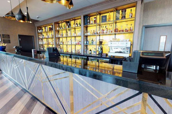 Lexington Bar by day.